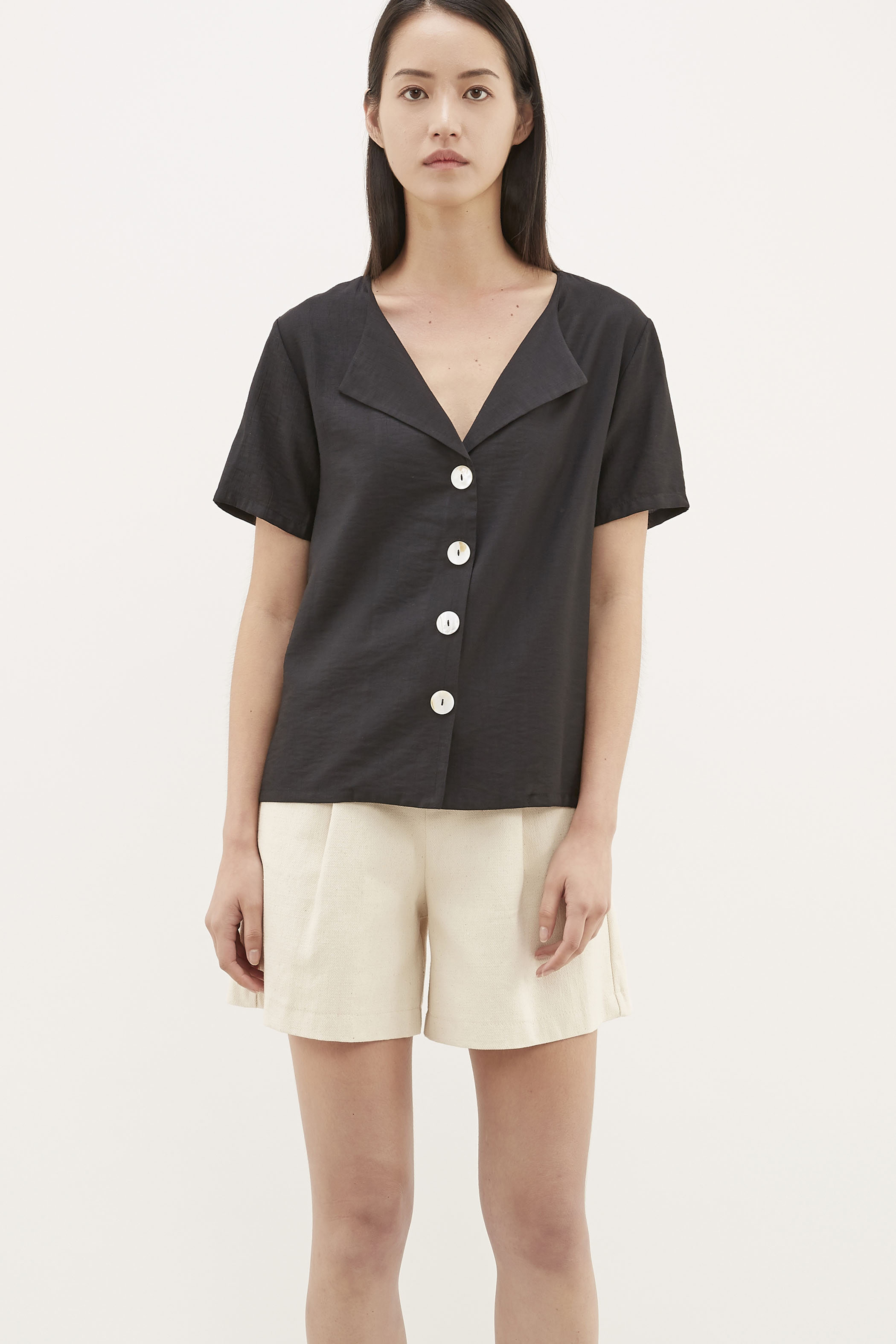 Neba Flap-collar Blouse