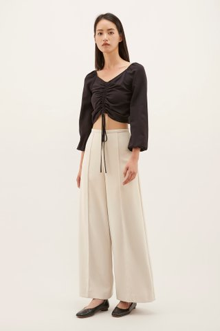 Cheyla Ruched-front Top